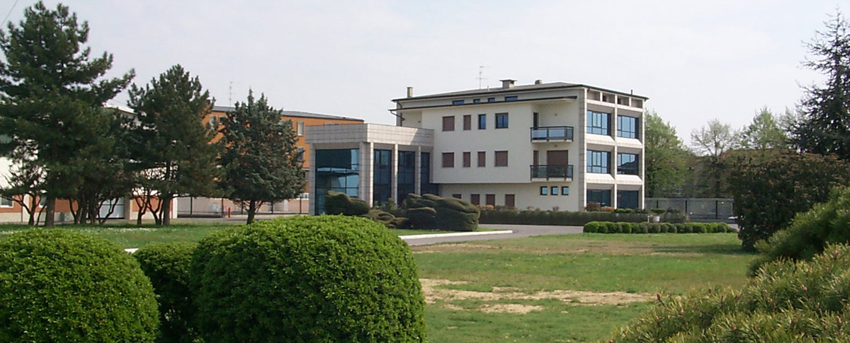 Head office Pedrengo L HOLDING