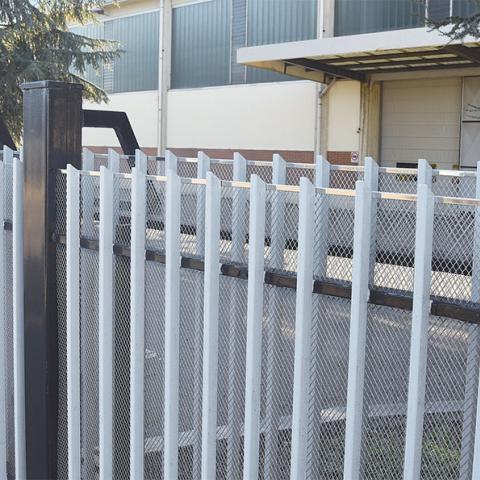 Lamiera stirata SICURA per protezione cancello